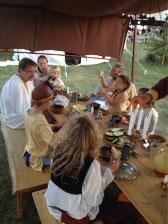 Mat på tältläger
